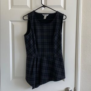 WHBM plaid fitted top med